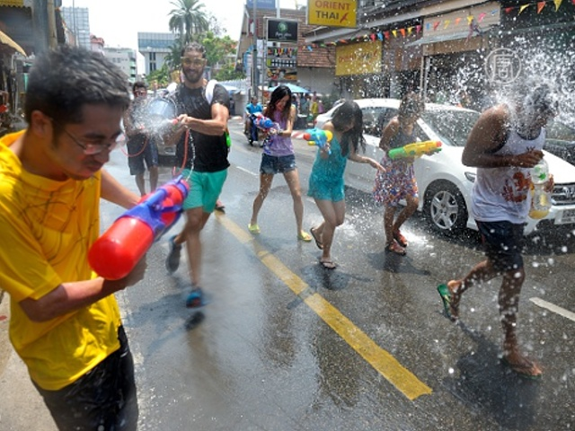 Водные баталии охватили Юго-Восточную Азию