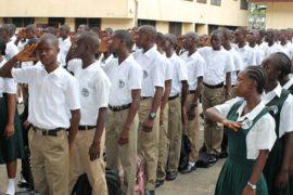 В Сьерра-Леоне школьники возвращаются к учёбе