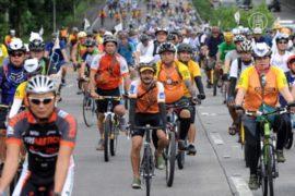 Филиппинцев призывают пересаживаться на велосипеды