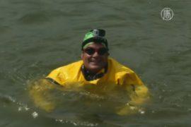 Эколог попытался переплыть грязный канал Нью-Йорка