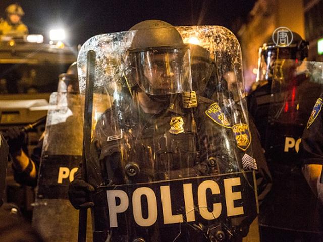 В Балтимор направили тысячи полицейских