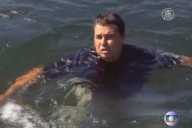 Министр нырнул в воды Рио, демонстрируя их чистоту