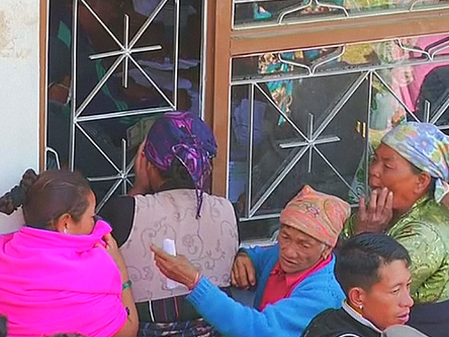 Непальцы жалуются на скудную помощь от властей