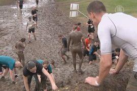 Трассу из грязи и воды преодолели 25000 французов