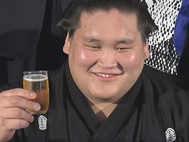 Борца сумо из Монголии возвели в ранг одзэки