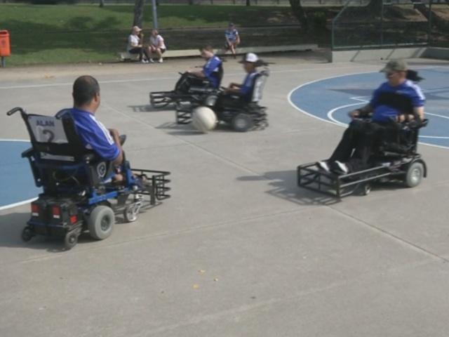 В Бразилии играют в футбол в инвалидных креслах