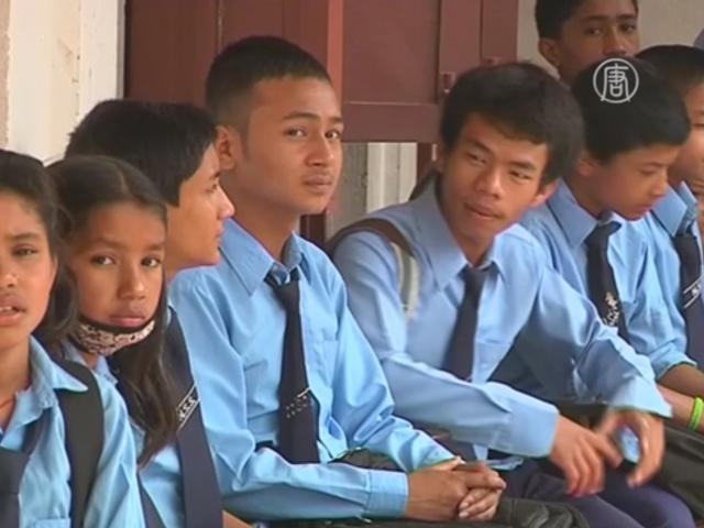 В Непале вновь открываются школы