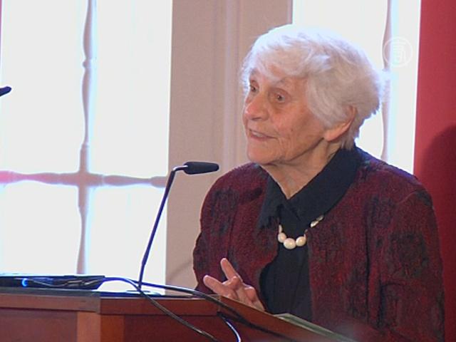 102-летняя врач из Германии стала кандидатом наук