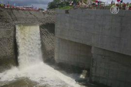 Панамский канал заполняют водой