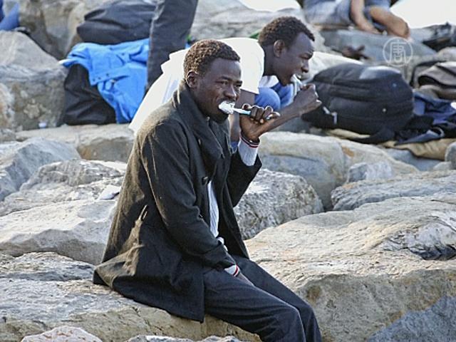 Сотни мигрантов заблокированы на границе с Францией