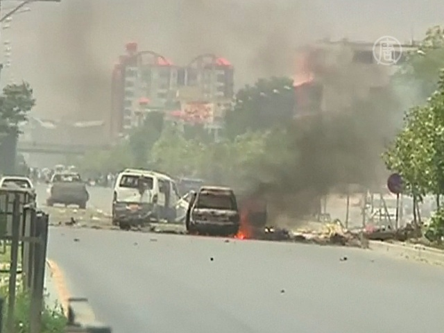 Талибы атаковали здание парламента в Кабуле