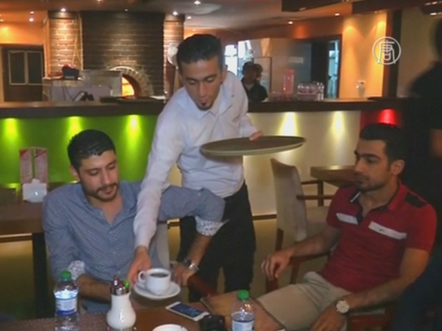 Сирийские беженцы учат Ирак хорошему сервису