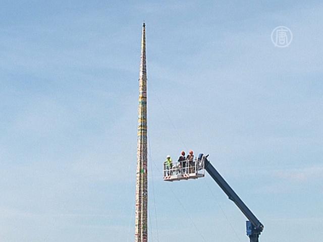 Самую высокую башню Lego построили в Милане