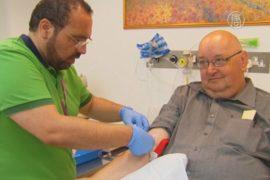 Вакцину от Эболы испытывают на волонтёрах