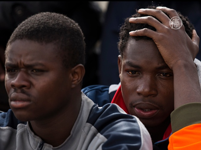 Франция и Великобритания хотят высылать мигрантов