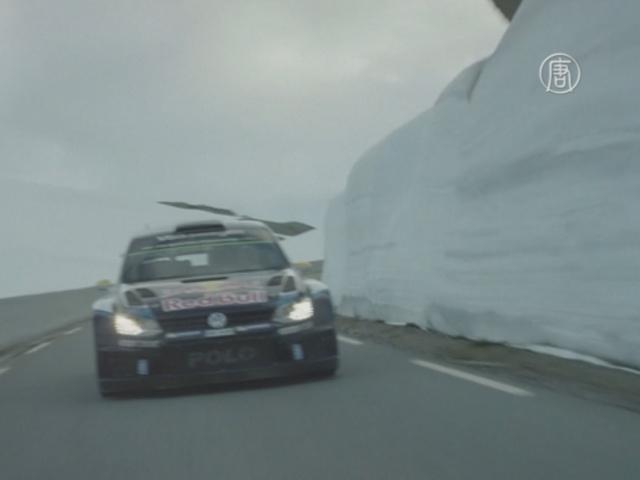 Гонщик и лыжник исполнили трюк в Норвегии