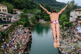 Соревнования по хай-дайвингу: с 27 метров в воду