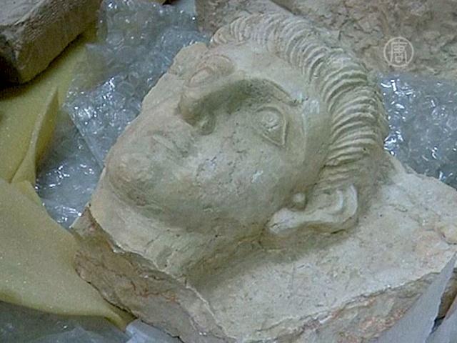 Сирийские древности свозят в Дамаск