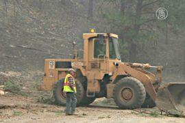 Пожарным в Вашингтоне помогают местные жители