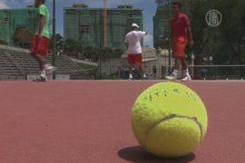 Теннис Камбоджи восстанавливают из руин
