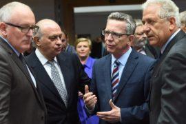 ЕС распределит 120 тысяч мигрантов