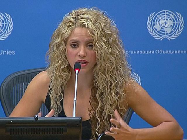 Шакира призвала помочь детям беженцев