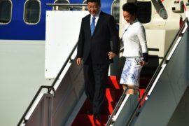 Глава Китая начал недельный визит в США