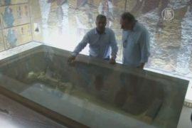 Могилу Нефертити ищут в гробнице Тутанхамона