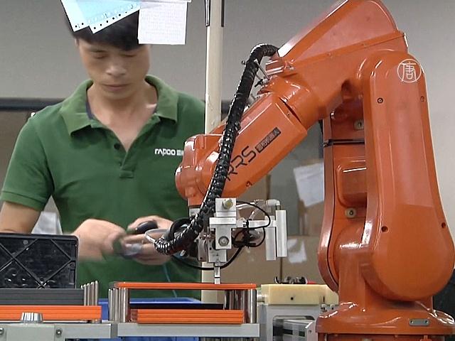 Рабочих в Китае заменяют роботами