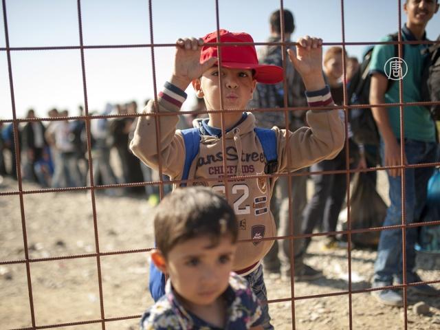 Поток мигрантов из Македонии в Сербию не иссякает