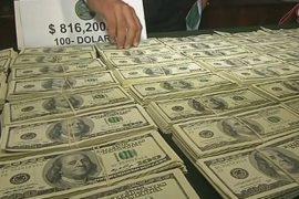 Полиция Перу изъяла 800 тысяч фальшивых долларов