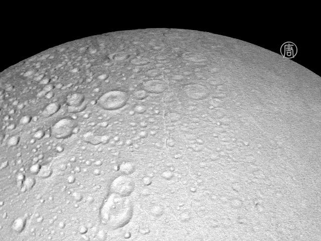 Уникальные фото Энцелада сделал аппарат НАСА