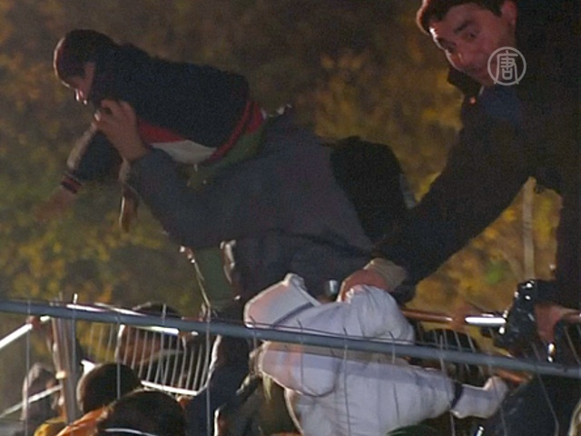 Мигранты штурмуют австрийскую границу