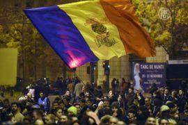 Протесты в Бухаресте не утихают третью ночь