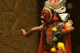 В Индонезии стараются сохранить танец в масках