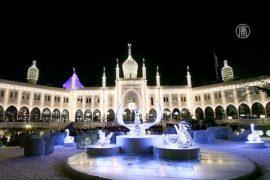 Тысячи рождественских огней озарили парк в Дании
