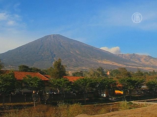 Туриндустрия Индонезии несет потери из-за вулкана