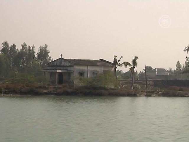 Дома жителей Сундарбана уходят под воду