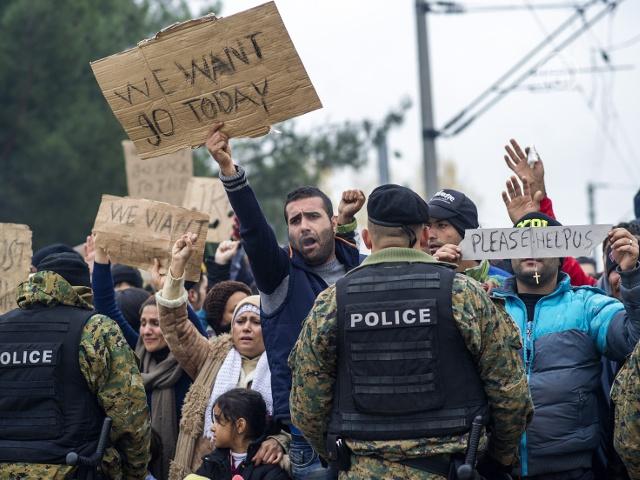 ЕС хочет уменьшить поток мигрантов в Европу