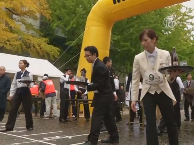Официанты бегали на скорость в Японии