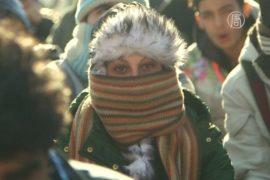 Мигрантов с македонской границы перевезли в Афины