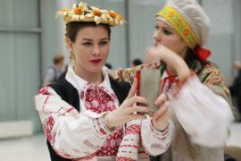 Высокую моду в стиле этно представили в Москве