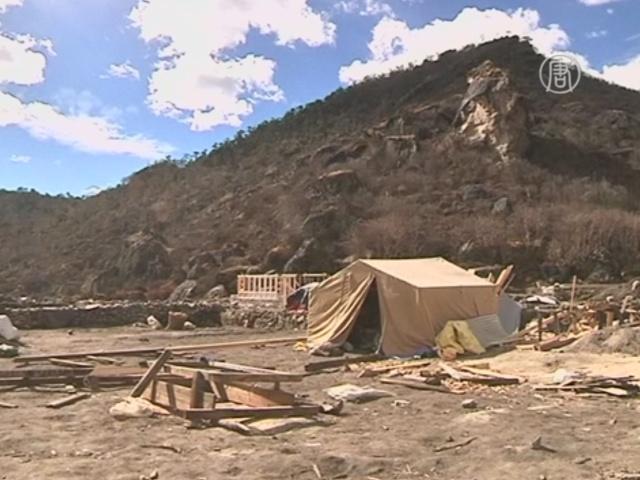 Землетрясение разрушило жизнь шерпов