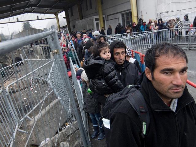 В ЕС в 2015 году прибыло более 1 млн мигрантов