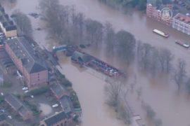 Исторический центр Йорка затопило