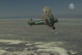 Британка повторила полёт Эми Джонсон на биплане