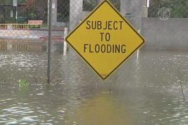 На Калифорнию обрушились дожди и наводнения
