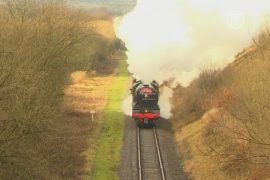 Исторический британский паровоз вернулся на рельсы