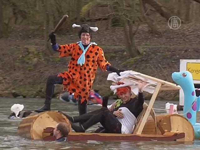 Баварцы совершили заплыв по зимнему Дунаю
