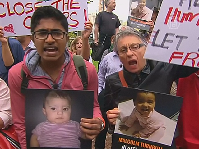 В Сиднее протестуют против депортации беженцев